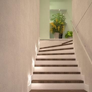 Дизайн лестницы с поворотом - фото проекта.