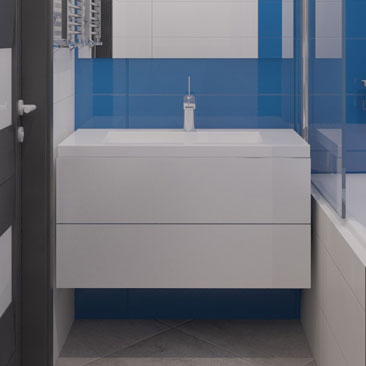 Синяя ванная комната в квартире.