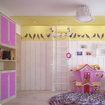Розовая детская комната для девочек.