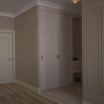 Дизайн квартиры в классическом стиле: прихожая.