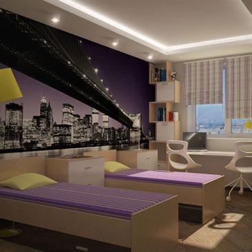 1000 фото детских комнат с фотообоями для 2 детей. Фотообои с видом набережной ночного Нью-Йорка в интерьере комнаты для 2 подростков. Белая с бежевым мебель в детской для 2 мальчиков, с лимонно-фиолетовыми акцентами в интерьере. Дизайн интерьера Лос-Анджелес.